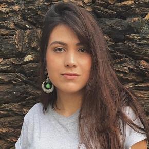 Ana Grazielli Gomes